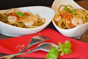 Spaghetti mit Garnelen auf dem Teller bei 90 Tage Diät