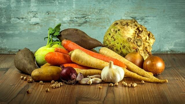 Frisches Gemüse und saisonale Lebensmittel